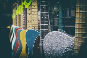 Buying Your First Guitar – A Beginner's Guide